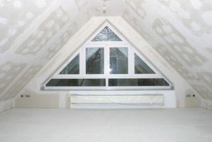 Comment couper Fermes de toit pour une chambre mansardée