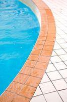 Comment faire pour supprimer des dépôts durs eau dans les piscines extérieures