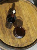 Comment traiter les taches de vin rouge avec de l'eau chaude
