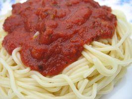 Comment faire pour supprimer les taches de sauce tomate en plastique