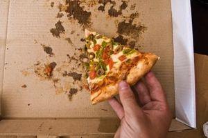 Comment nettoyer Pizza graisse Off cuir