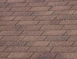 Comment enlever les taches sur un toit d'asphalte