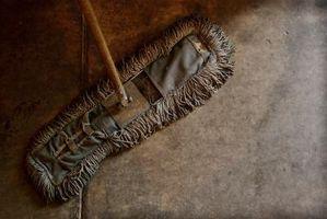 Comment nettoyer carreaux de sol en sous-sol qui ne ont pas été nettoyée depuis des années