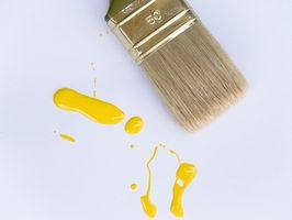 Comment faire pour supprimer la peinture d'une veste en cuir noir et un chandail de coton