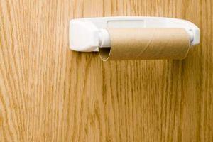 Comment remplacer un rouleau vide de papier toilette