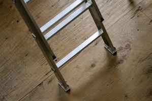 Aluminium Vs.  Les échelles à coulisses en fibre de verre
