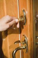 Comment Décoller une clé de porte coincé