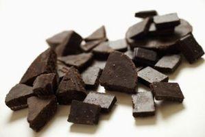 Comment se débarrasser d'une tache sombre au chocolat De Vêtements