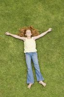 Comment faire pour supprimer les taches d'herbe De Vêtements, tissus et linge de lit