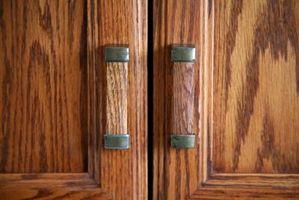 Comment faire pour mettre humidité Retour en bois Portes d'armoires