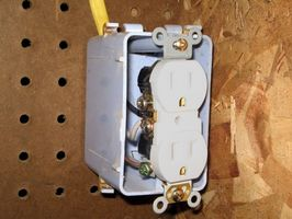 Comment la figure vieux câblage électrique dans Ma Maison