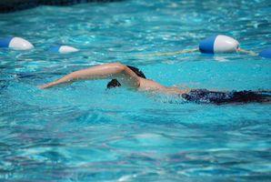 Comment faire pour supprimer les taches de fibre de verre d'une piscine