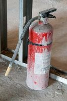 Comment nettoyer un phosphate d'ammonium De base un extincteur