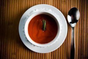 Comment nettoyer Tomato Soup Burnt du fond d'un pot