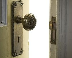 Comment nettoyer laiton antique porte Hardware