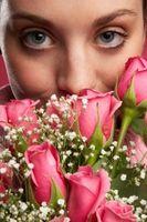 Comment changer l'eau dans un vase de roses