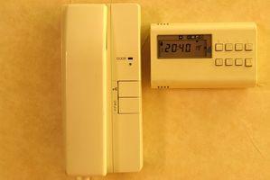 Comment faire pour installer Contacts magnétiques d'alarme sur les portes