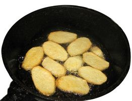 Comment nettoyer un Cast Iron Skillet Greasy