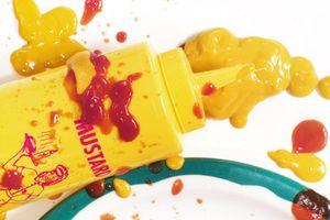 Comment se moutarde sèche Sur un tapis blanc