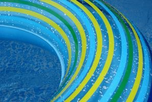 Types de couvertures de piscine solaires