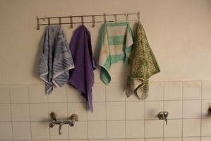 Quelle est la cause des murs peints de salle de bain Look Chalky à certains endroits?