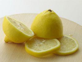 Conseils gratuits pour nettoyer une poêle avec le jus de citron